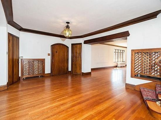Zook Cty. Line Rd.Livingroom