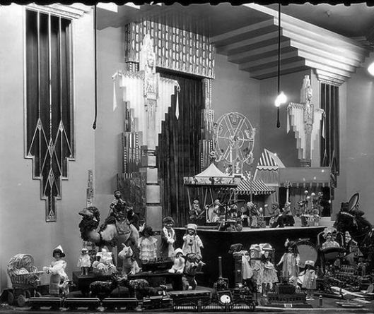 Field's Art Deco Holiday Windows, 1920s